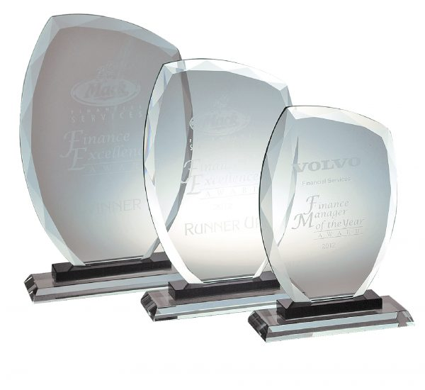 Diamond Edge Glass Award L 250X150MM