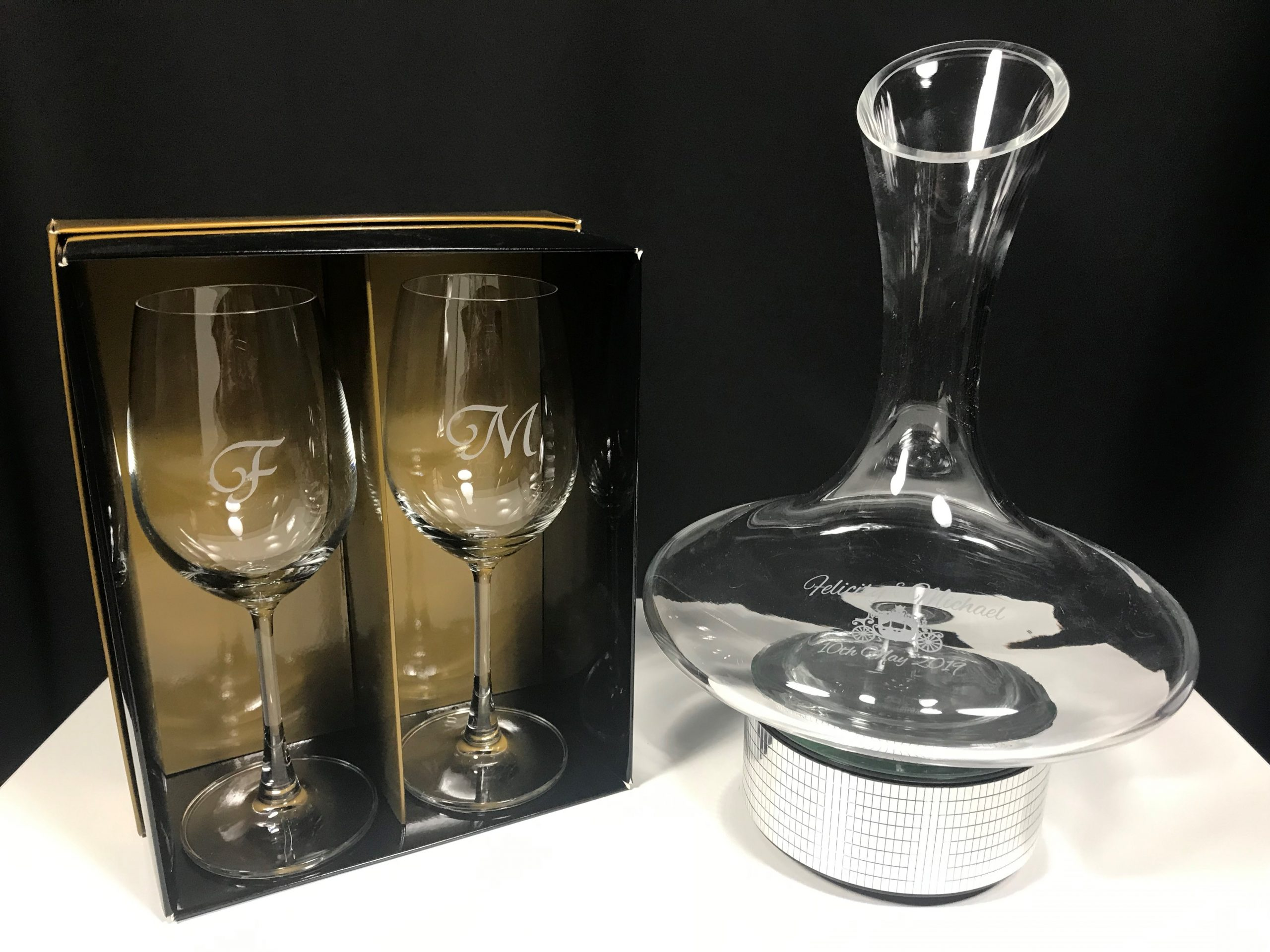Wine Decanter With 2 Wine Glasses Groovy Glass